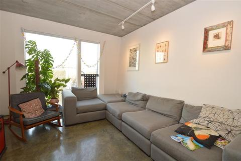 3 bedroom apartment to rent - Ada Street, London, E8
