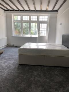 2 bedroom house share to rent - WEST LODGE AVENUE, EALING COMMON W3