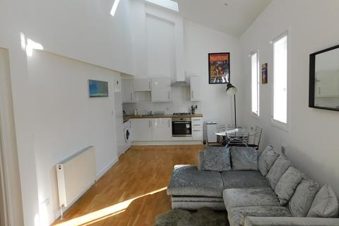 3 bedroom flat to rent - Mentone Gardens, Edinburgh EH9