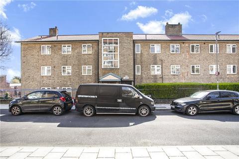 2 bedroom apartment for sale - Thursley Gardens, London, SW19