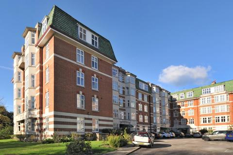 3 bedroom apartment to rent - Haven Green Ealing W5