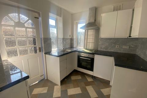 3 bedroom semi-detached house to rent - Ruislip, HA4