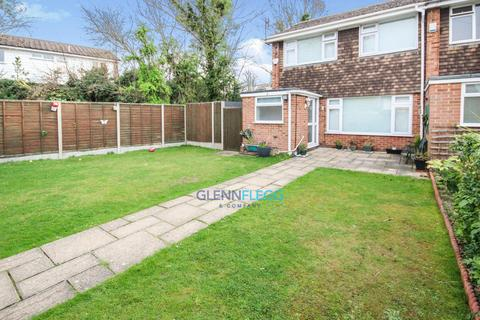 3 bedroom semi-detached house to rent - The Pound, Burnham