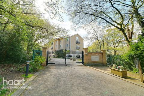 2 bedroom flat for sale - The Manor, Repton Park, Woodford Green, Essex, IG8