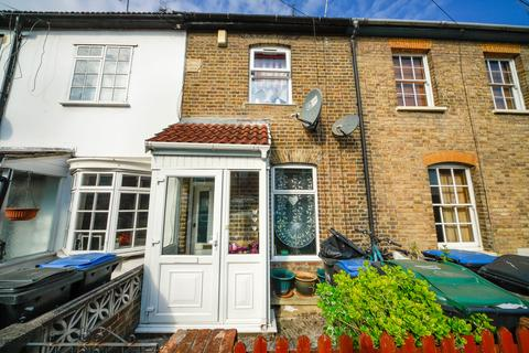 2 bedroom terraced house for sale - Medcalf Road, EN3