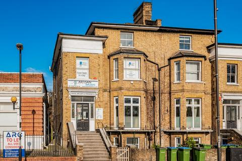 2 bedroom flat to rent - Westcombe Hill London SE3