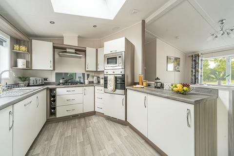 2 bedroom lodge for sale - Gilberdyke East Riding of Yorkshire