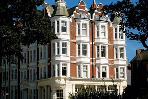 1 bedroom ground floor flat for sale - Gwydyr Mansions, Hove