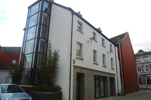 Retail property (high street) to rent - Boutique Retail/Business Unit, 3 Cross Street, Bridgend, CF31 1EX
