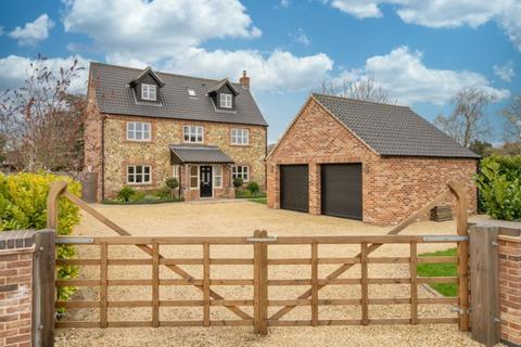 5 bedroom detached house for sale - Caston