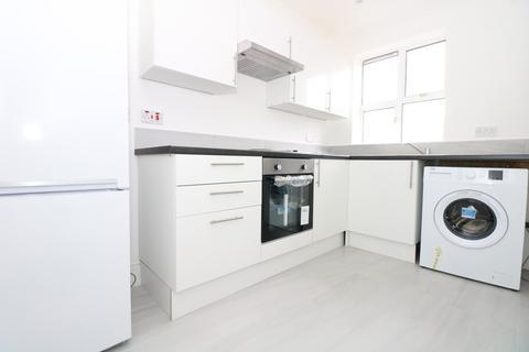 3 bedroom apartment to rent - Old Oak Common Lane, London