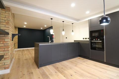 3 bedroom apartment to rent - Pump House Close SE16
