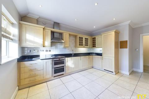 2 bedroom apartment to rent - Ducks Hill Road, Northwood