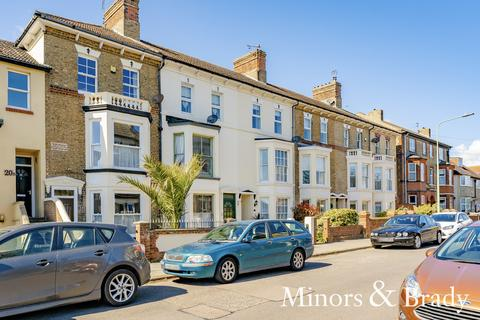4 bedroom townhouse for sale - Pakefield Road, Lowestoft