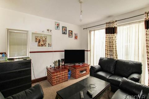 2 bedroom house to rent - Marshall Drive , Hayes , Middlesex