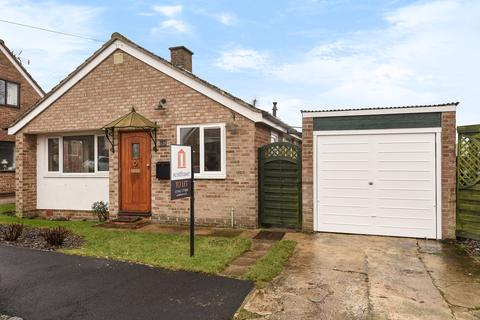 2 bedroom bungalow to rent - Windmill Close, North Leigh