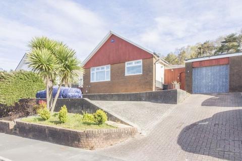 4 bedroom detached bungalow for sale - Tredegar Park View, Newport - REF#00005553