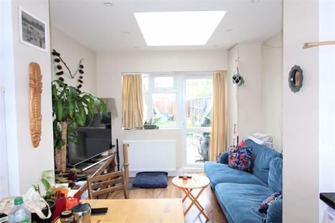 1 bedroom apartment to rent - Lausanne Road, Hornsey, N8
