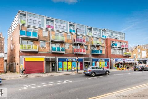 3 bedroom apartment to rent - West Green Road, Turnpike Lane, LONDON, n15 3DA