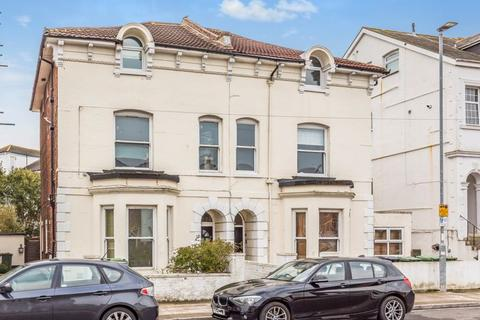 2 bedroom apartment for sale - Granada Road, Southsea