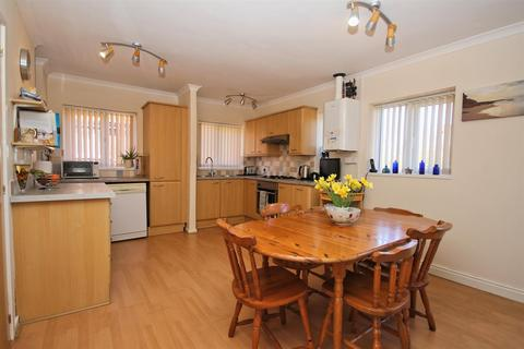 2 bedroom apartment for sale - The Garth, Cottingham