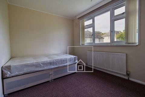 3 bedroom house to rent - Otley Old Road, Leeds, West Yorkshire