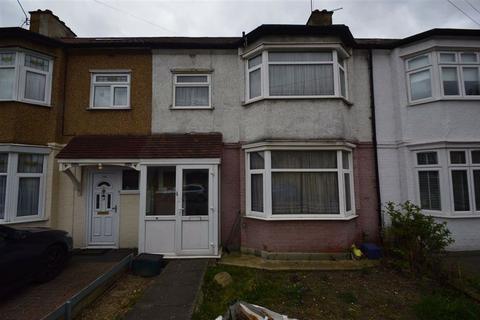 3 bedroom terraced house for sale - Ashurst Drive, Gants Hill, Essex, IG2