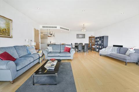 3 bedroom flat for sale - Ensign House, Juniper Drive, London, SW18