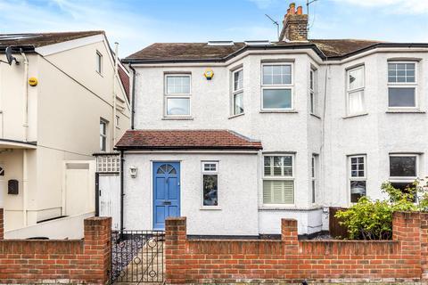 4 bedroom semi-detached house for sale - Marksbury Avenue, Kew