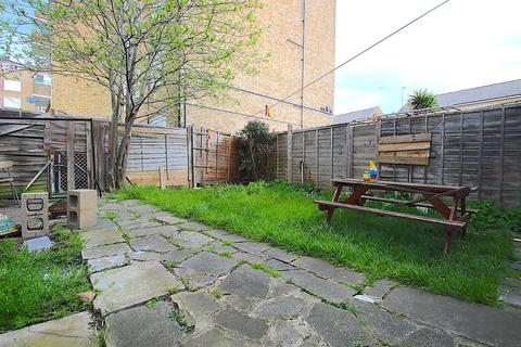 4 bedroom house to rent - Ellsworth Street, London