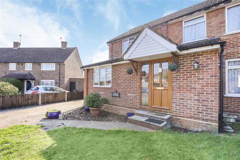 4 bedroom semi-detached house for sale - Celtic Road, Byfleet, Surrey