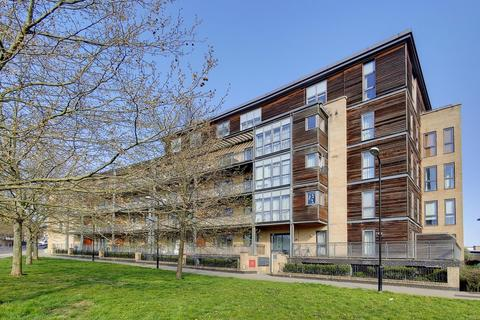 2 bedroom flat to rent - Aster Court, Woodmill Road, London
