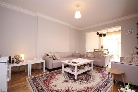 4 bedroom semi-detached house to rent - Gibbon Road, Acton, W3 7AF