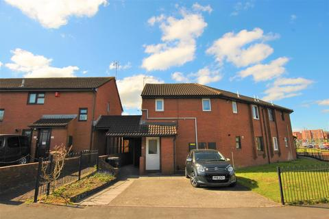 2 bedroom flat for sale - Tarnock Avenue, Hengrove