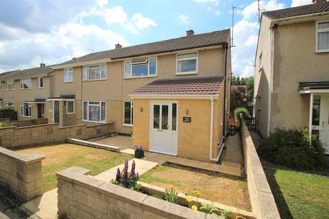 3 bedroom semi-detached house for sale - Cranwell Close, Chippenham
