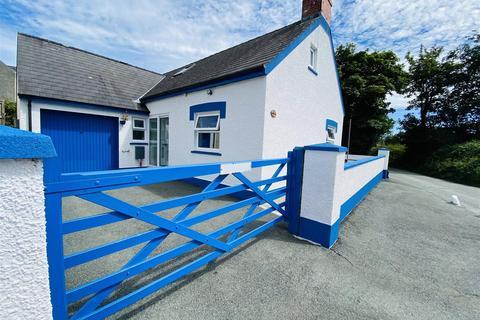 4 bedroom detached bungalow for sale - Ambleston