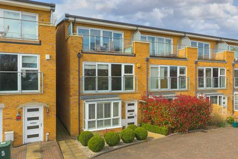 5 bedroom end of terrace house for sale - Barn Elms Close, Worcester Park