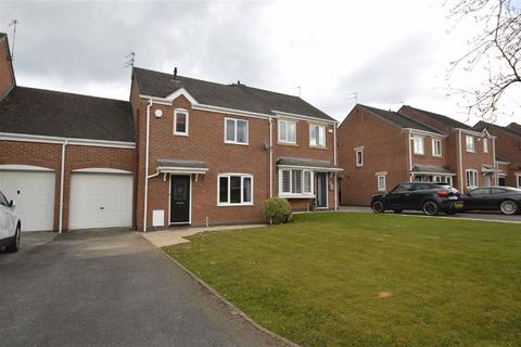 3 bedroom semi-detached house to rent - Portmarnock Close, Macclesfield