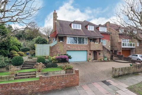 4 bedroom detached house for sale - Park Avenue, Eastbourne
