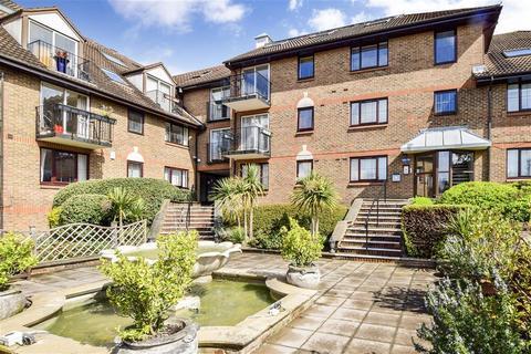 3 bedroom ground floor flat for sale - Lansdowne Road, Purley, Surrey
