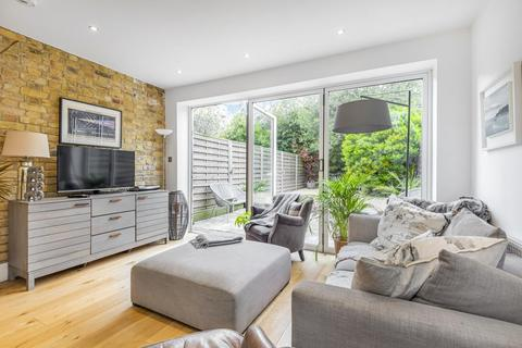 2 bedroom flat for sale - Bridgman Road, Chiswick