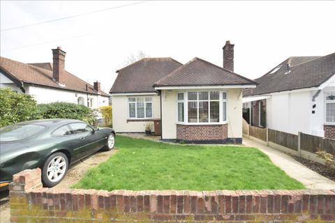 3 bedroom bungalow for sale - Pentland Avenue, Chelmsford