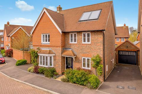 4 bedroom detached house for sale - Chalkfield Road, Horley, RH6
