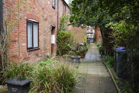 2 bedroom terraced house to rent - Salisbury, SP1