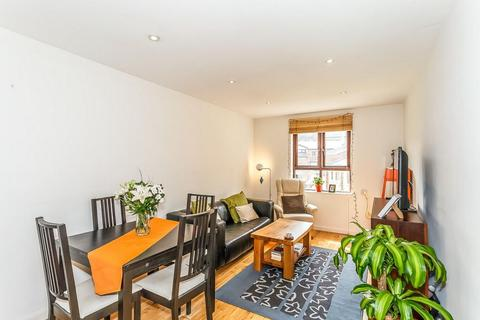 1 bedroom apartment to rent - Prospect Place, London, E1W