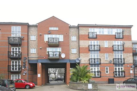 4 bedroom flat to rent - Alphabet Square, London, Bow. E3