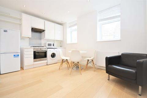 3 bedroom flat to rent - Churchfield Road, Acton Central W3 6AH