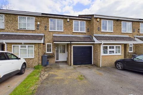 4 bedroom semi-detached house for sale - Ruscombe Way, Feltham, TW14