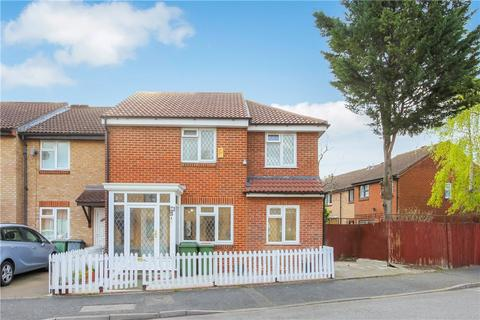4 bedroom end of terrace house for sale - Turnstone Close, Plaistow, London