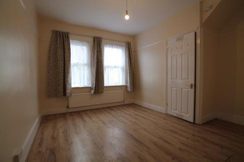 2 bedroom detached house to rent - Walthamstow E17 5QY